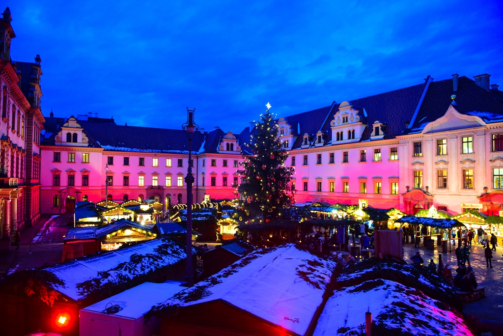 Romantischer Weihnachtsmarkt.Romantischer Weihnachtsmarkt Tag Der Sozialen Berufe